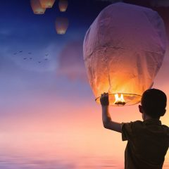 lancer de lanternes volantes